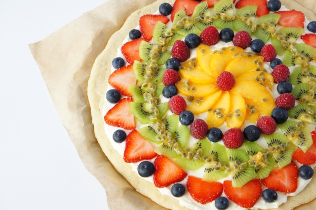 Fruit Pizza | Close Encounters of the Cooking Kind