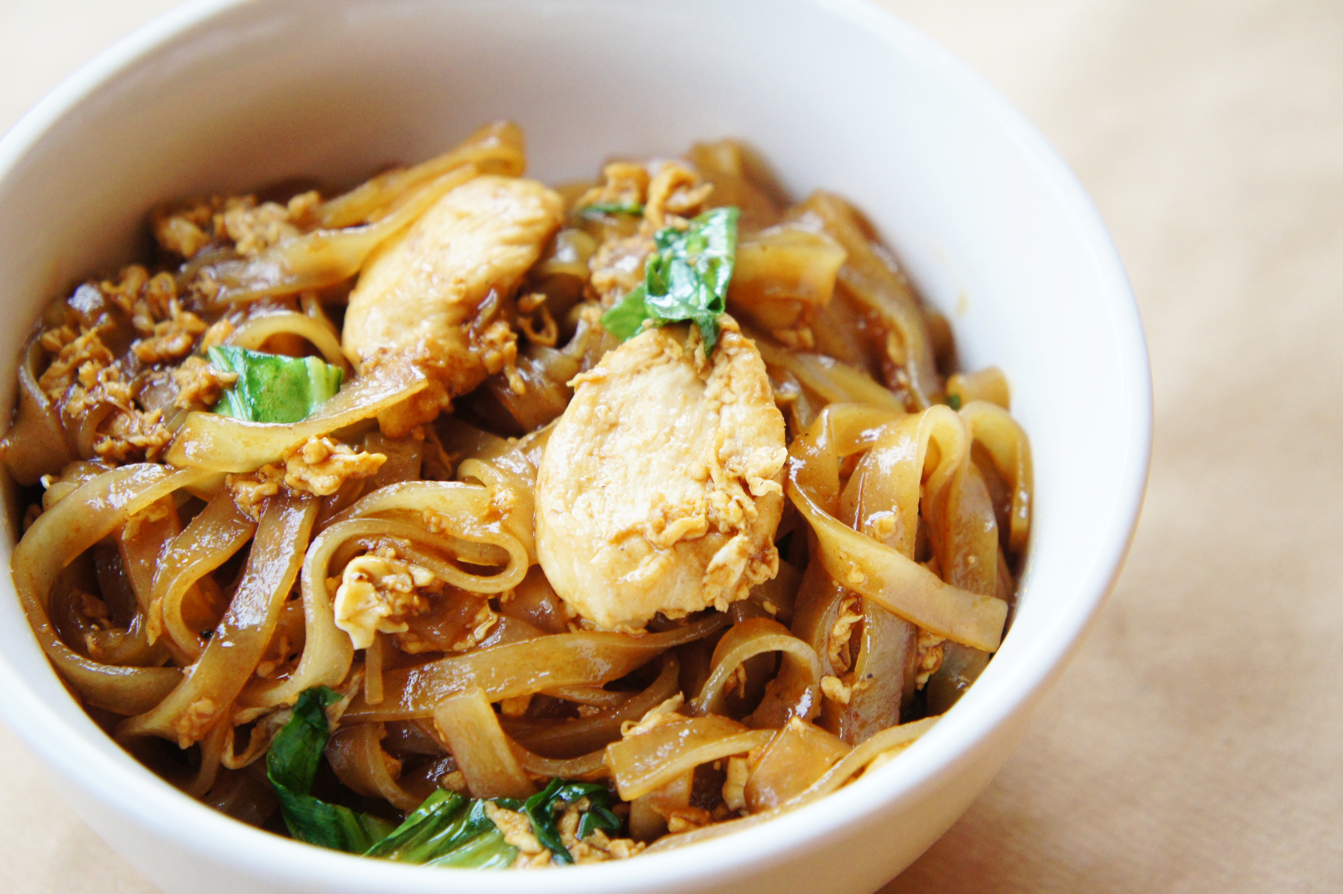 Pad see ew close encounters of the cooking kind chicken pad see ew ccuart Choice Image