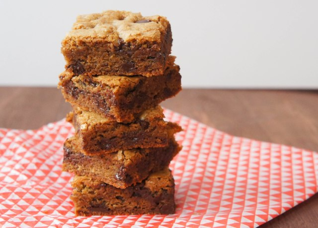 Chocolate Chip Cookie Bars | Close Encounters of the Cooking Kind