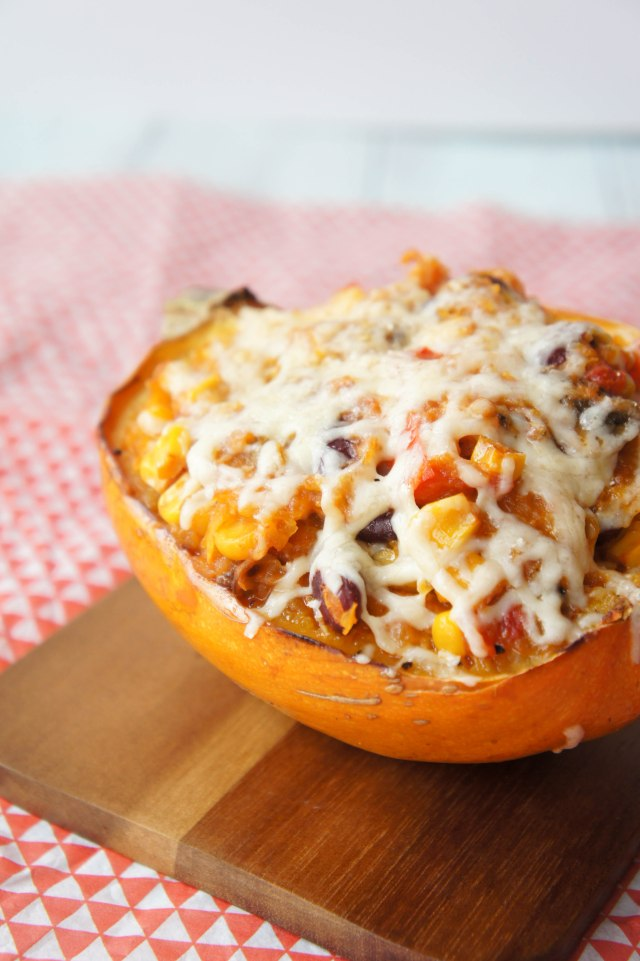 Southwestern Vegetable-Stuffed Spaghetti Squash | Close Encounters of the Cooking Kind