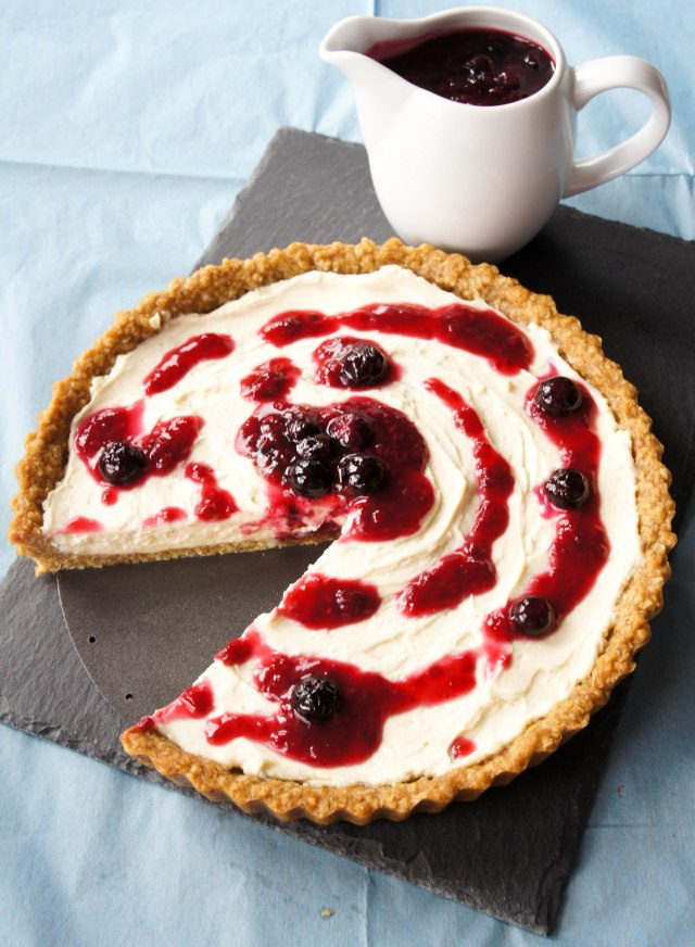 Berry & Whipped Mascarpone Anzac (Oatmeal) Tart | Close Encounters of the Cooking Kind