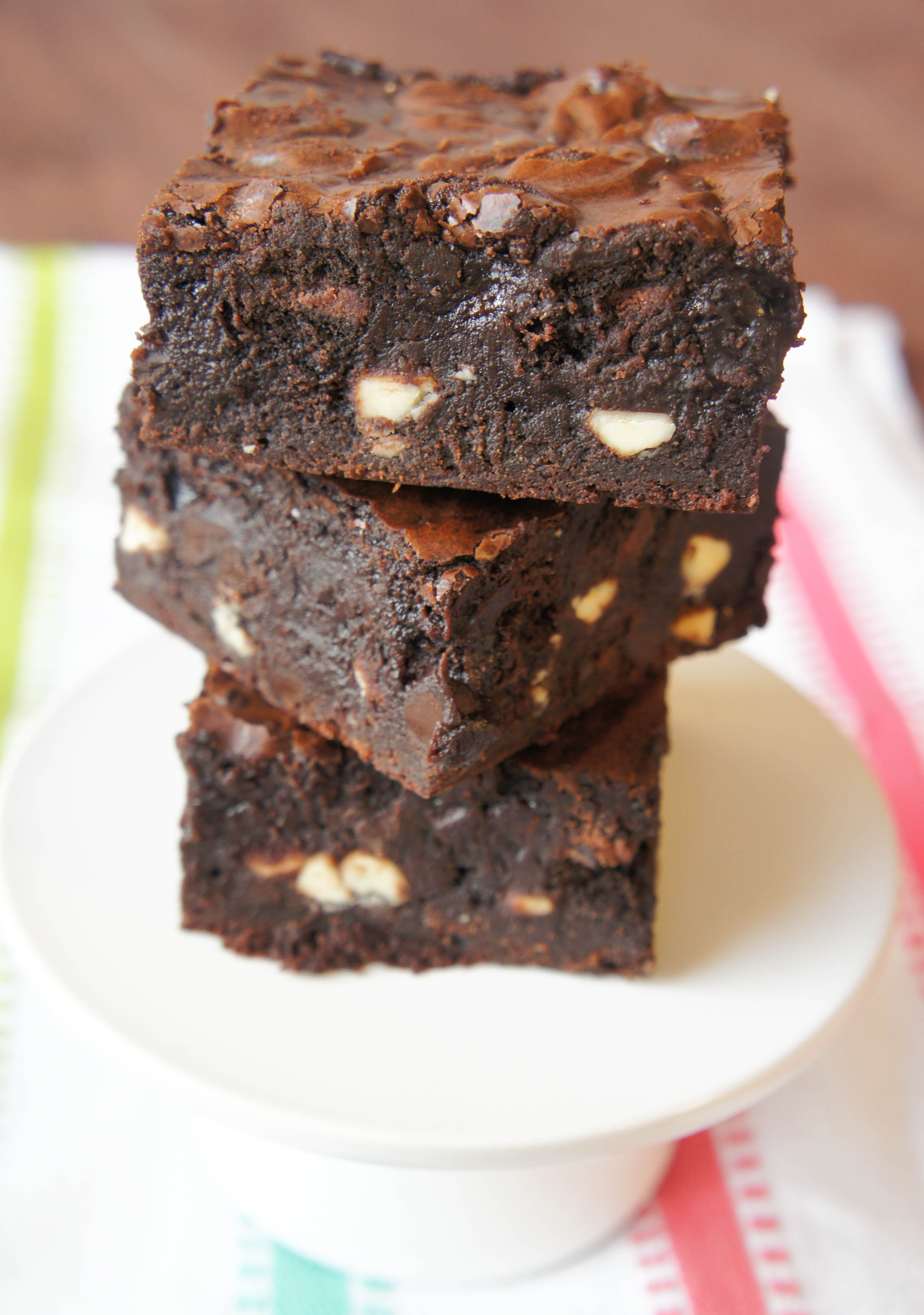 how to make oreo stuffed brownies To create this amazing dessert, i layered the oreos inside the brownies the  result was an amazing peanut butter and chocolate oreo stuffed.